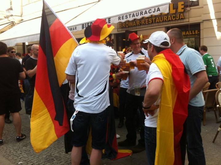 Euro2012 Kibice niemieccy przed półfinałowym meczem na Nowym Świecie w Warszawie
