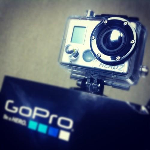 Najmniejsza kamera nagrywająca video w formacie full HD.  GoPro HD HERO 2 przeznaczona do kręcenia filmów w ekstremalnych warunkach