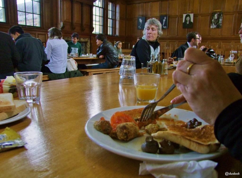 studenckie śniadanie Uniwersytet w Oksfordzie