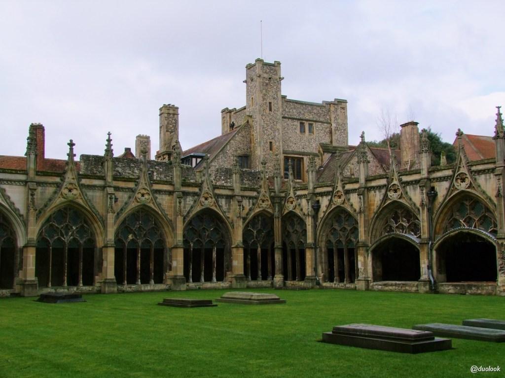 katedra-canterbury-kent-anglia-pozdroze-020-kruzganki-klasztor-architektura-piekna