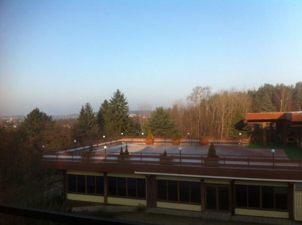 widok-balkon-hotel-mercure-mragowo-lasy