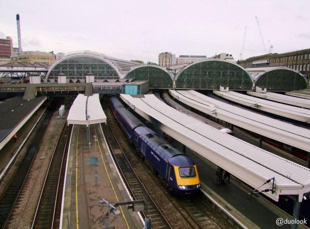 londyn-stacja-paddington-mis-pociag-komunikacja-pamiatki-wielka-brytania-paddingtontrail-atrakcje-dla-dzieci-anglia-00001