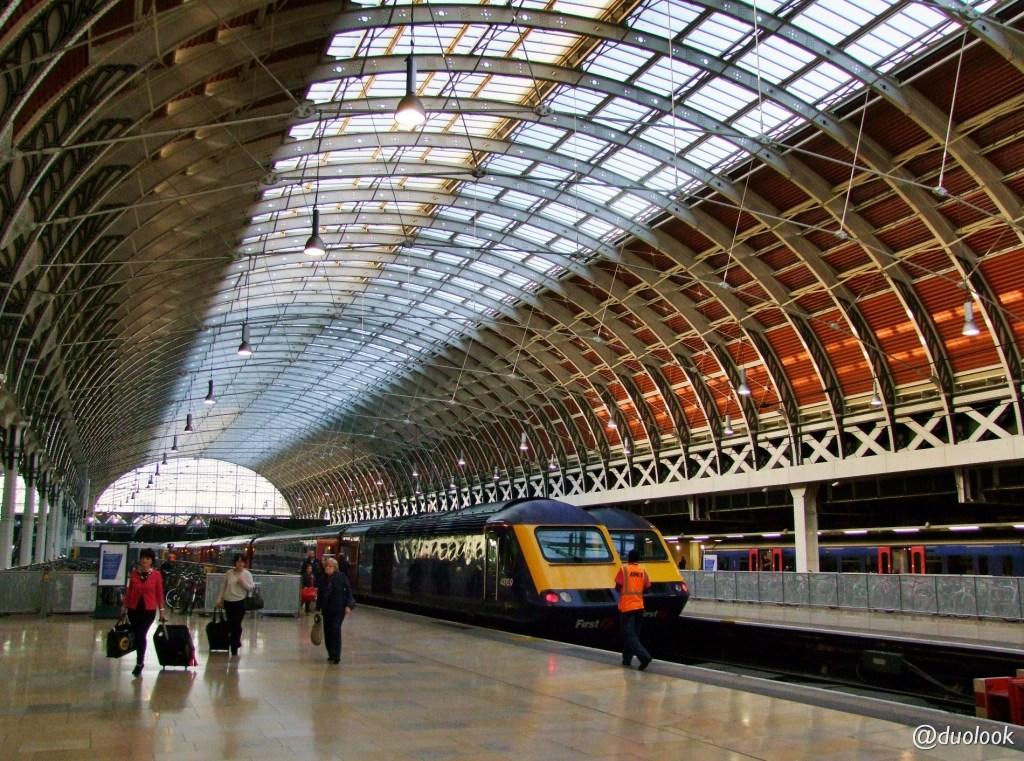 londyn-stacja-paddington-mis-pociag-komunikacja-pamiatki-wielka-brytania-paddingtontrail-atrakcje-dla-dzieci-anglia-00011