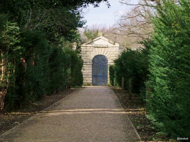 parki-w-londynie-wloski-zaprojektowany-chiswick-gardens-atrakcje-wielka-brytania-14