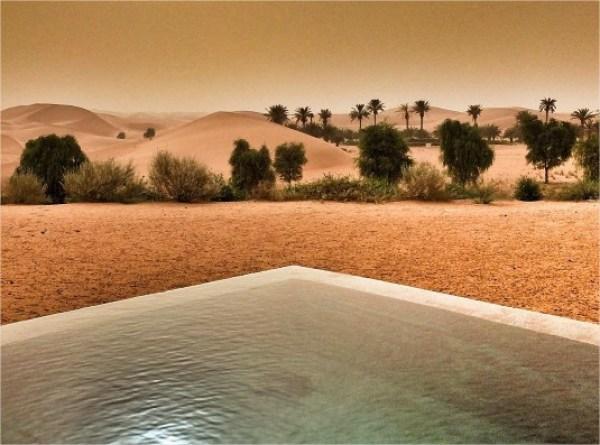 Pustynia w Emiratach Arabskich i luksusowy hotel Telal Resort