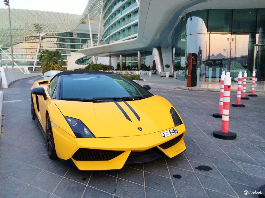sportowe auta luksusowe abu dhabi