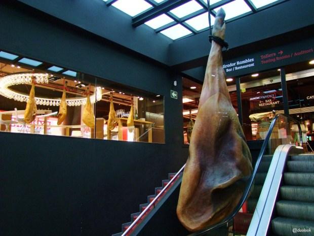 barcelona-jamon-experience-szynki-jedzenie-katalonskie-co-zjesc-restauracja-hiszpanskie-02