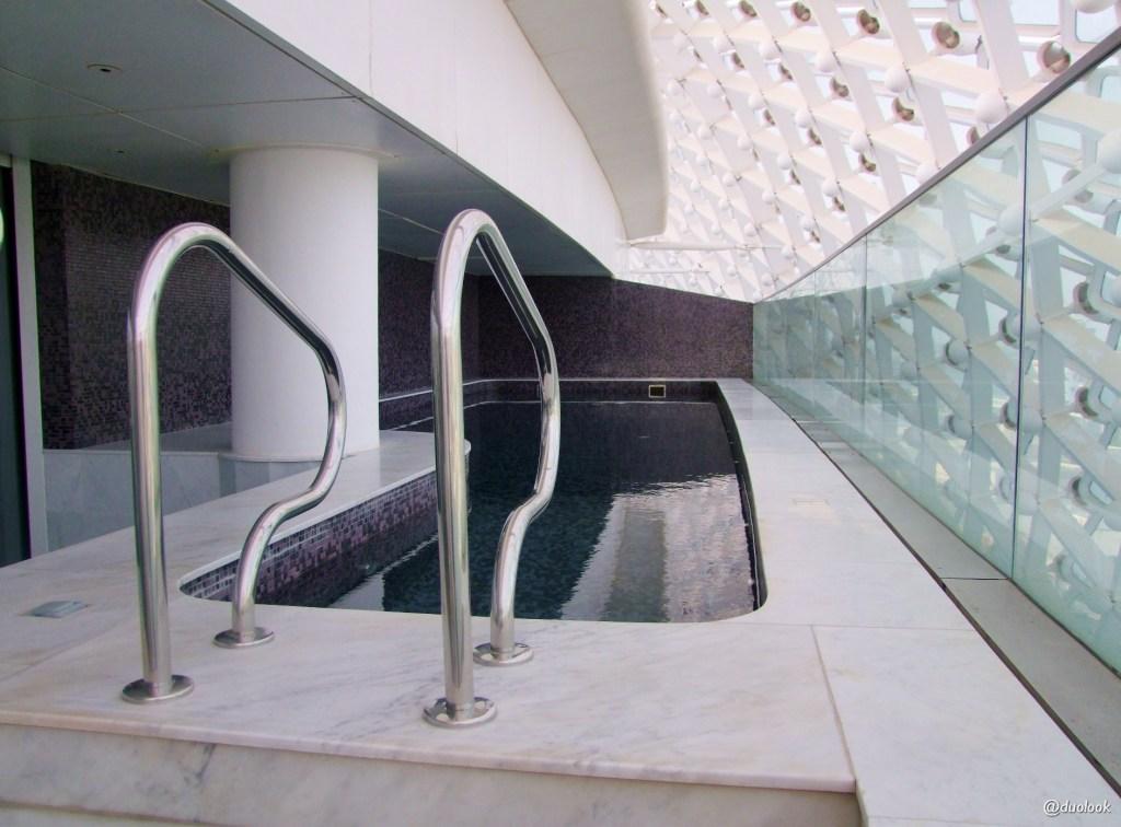 Basen Abu Dhabi Yas Viceroy Hotel