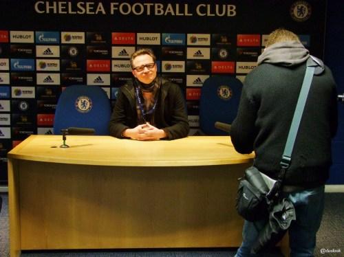 press-room-chelsea-football-club-stamford-bridge-konferencja-prasowa-zwiedzanie-atrakcje-londynu-pilka-nozna-09