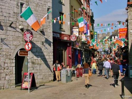 galway-Quay-Stree-atrakcje-co-zobaczyc-irlandia-12