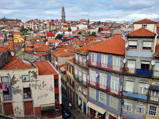 W Porto miejsc, gdzie widoki są jak z pocztówek jest wiele...