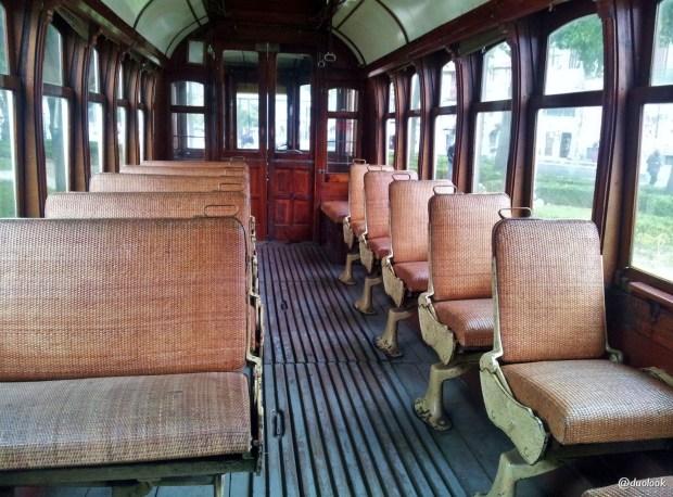 zabytkowy-tramwaj-porto-atrakcje-co-warto-zobaczyc-portugalia-23