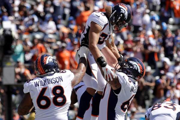 Broncos hold off Chargers for Fangio