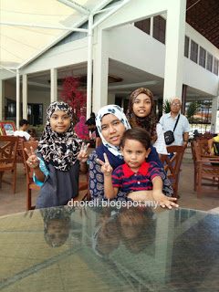 BlogDuraNorell - The Zizis and Me | Gold Coast Malacca International Resort | http://dnorell.blogspot.my | dura.norell@gmail.com | Kelab Blogger Ben Ashaari KBBA9 | Blogger Malaysia | Parenting Blogger | LifestyleBlogger | PersonalBlogger | FoodBlogger | FoodReview | Travel Blog | Authorized Agent Dexandra Perfume | WAHM | Mompreneur