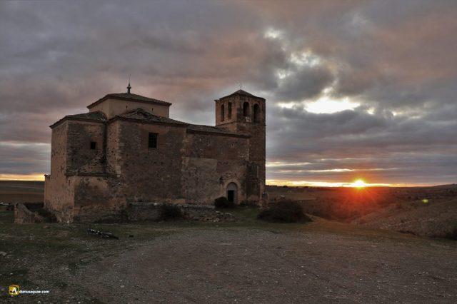 Durius Aquae: Iglesia de Fuentes, ¿quién diria que es un despoblado?