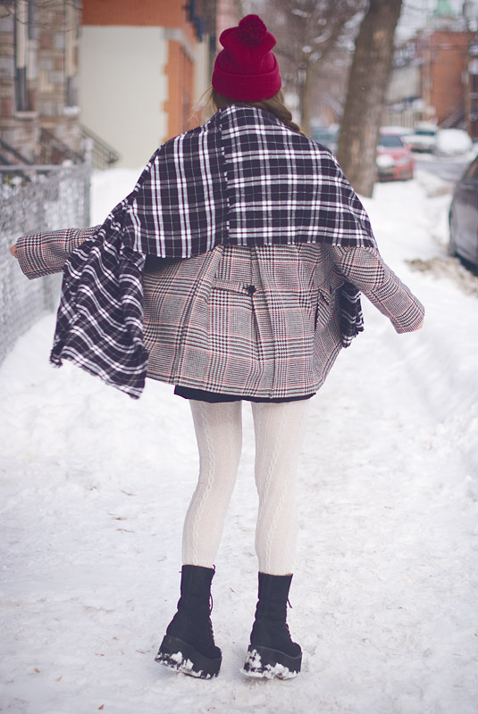 How To Mix Patterns: Plaid Flannel DIY Scarf And Houndstooth Coat