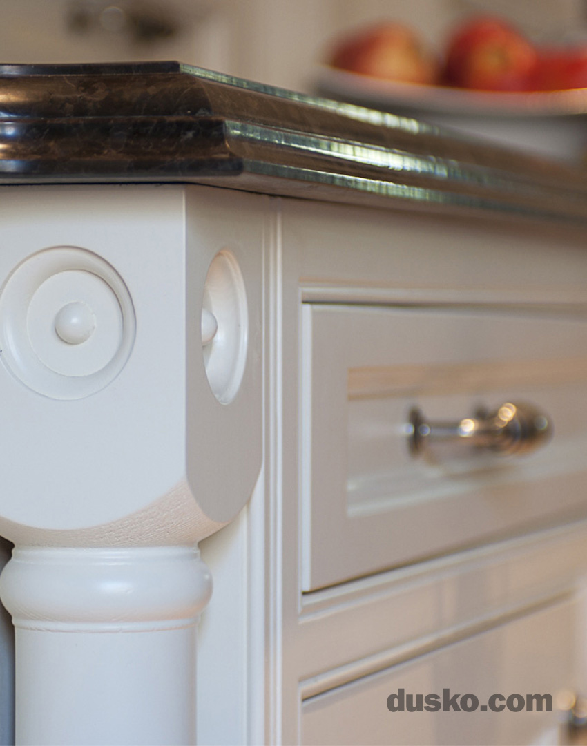 Colonial Style Kitchen in Prestbury, Cheshire Turned Pillaster