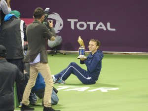Simona_Halep_at_Qatar_Open_2014_Singles_Final_cropped