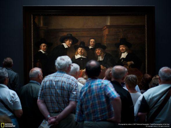 Hikayeleştirme - Hollandalı ünlü ressam Rembrandt'ın Syndics of the Drapers' Guild isimli tablosu ve ona bakan insanların birlikteliği muhteşem bir hikaye değil mi?