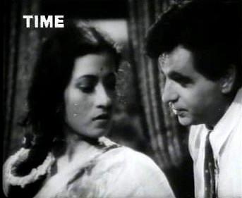 Anju comes to meet Amar