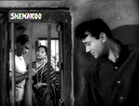 Anand overhears Mohan and Shanti