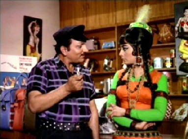 Shamsher tries to paw Somna