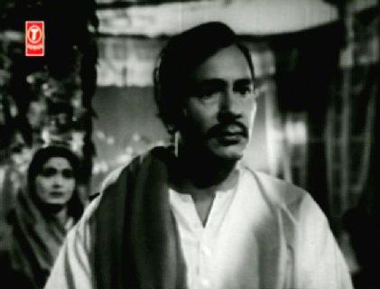 Ratan tries to placate Daulatram