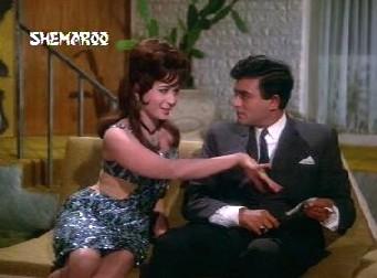 Veera indulges in some hardcore flirting