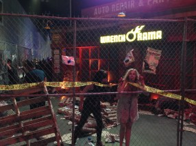 the live action zombie survival zone was by far the best thing there.