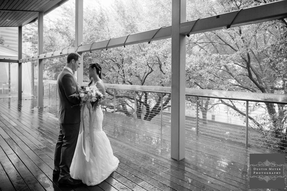First Look Photos | Wedding Photography Tips