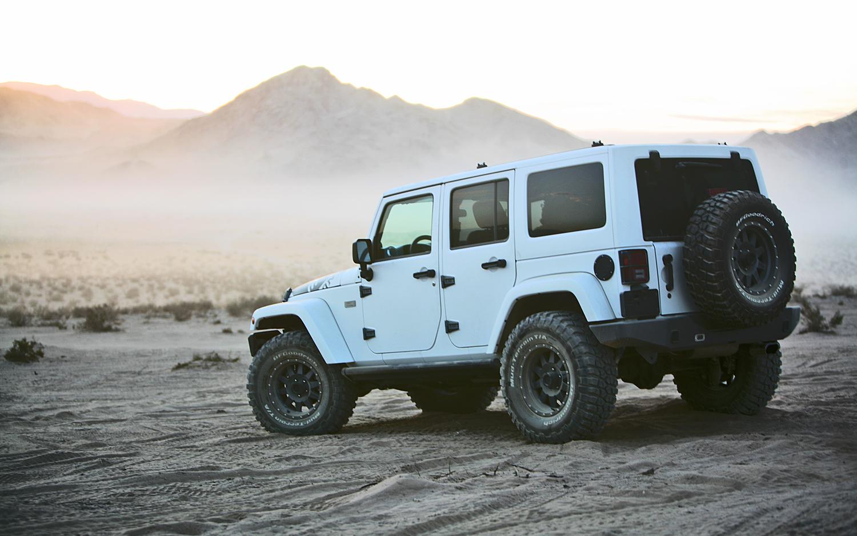 XPLORE-2012-Jeep-Wrangler-Unlimited-Rubicon-rear-view