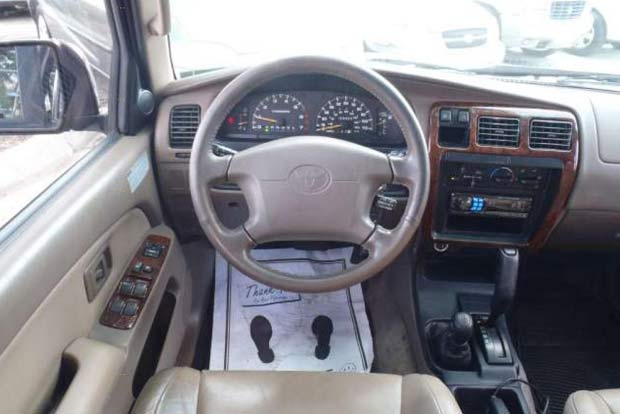 JeepVsToyota1
