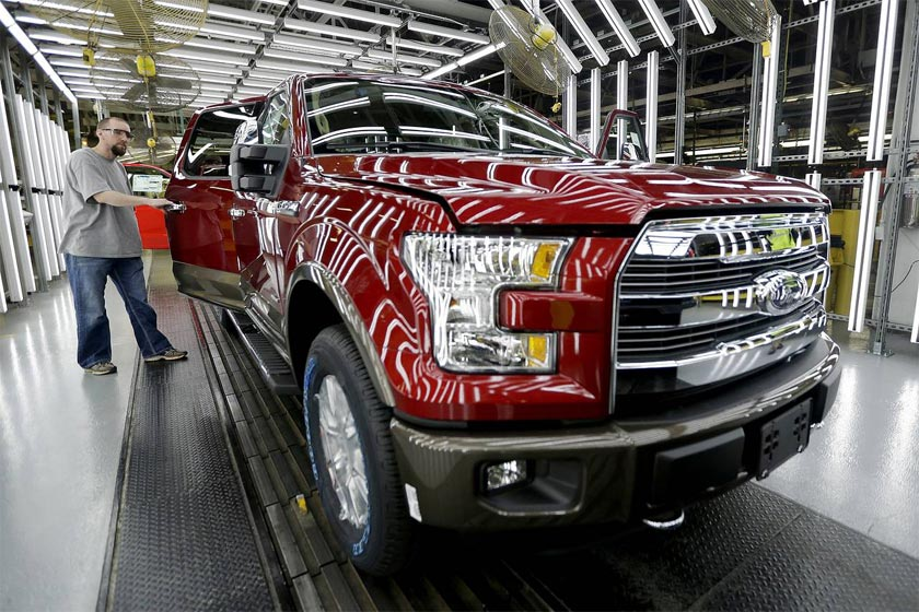 Auto Sales Decline 4.4% in October
