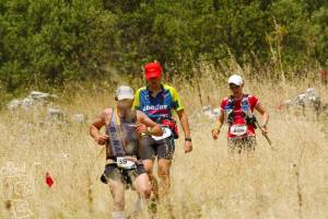 Starting to descend toward the finish. Thanks to Photo Raul, I look like I can run downhill.