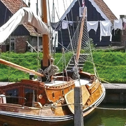 guided-tour-hoorn-enkhuizen-dutch-folklore-unique-voc-management