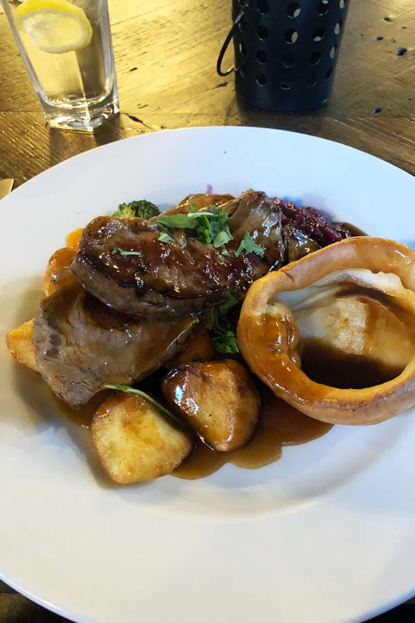Beef Sunday roast at the White Swan near Tate Britain in London