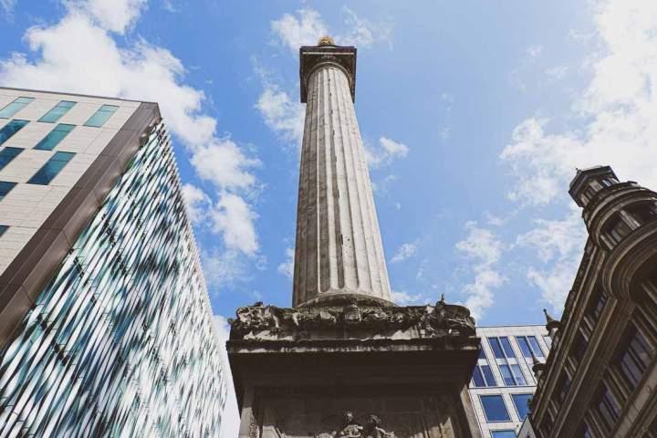 Things to do near Tower Bridge: climb up Monument