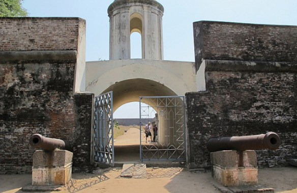 Sadras_gate_dutch-fort-in-sadras