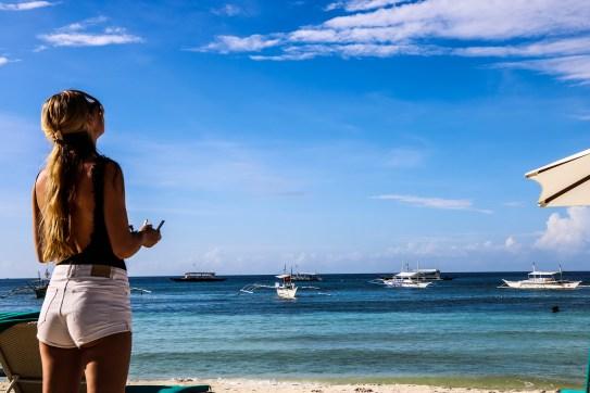 Bohol - Alona Beach - Dutch Pilot Girl