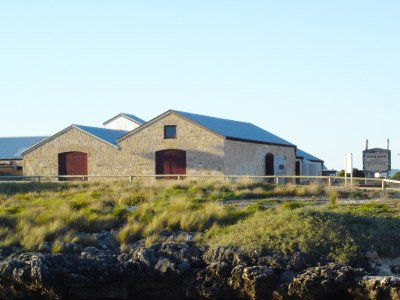 Dutton Bay Woolshed Hostel