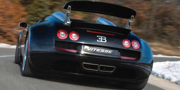 El Veyron Grand Sport Vitesse alcanza una velocidad punta de de 410 kilómetros/hora -sólo 11 km/h menos que el Super Sport-.
