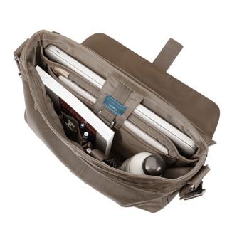 Bolsillo adicional para el movil, junto con un llavero extraíble y una etiqueta para la tus datos de contacto.