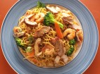 Stir-fried nooles with shrimp and pork