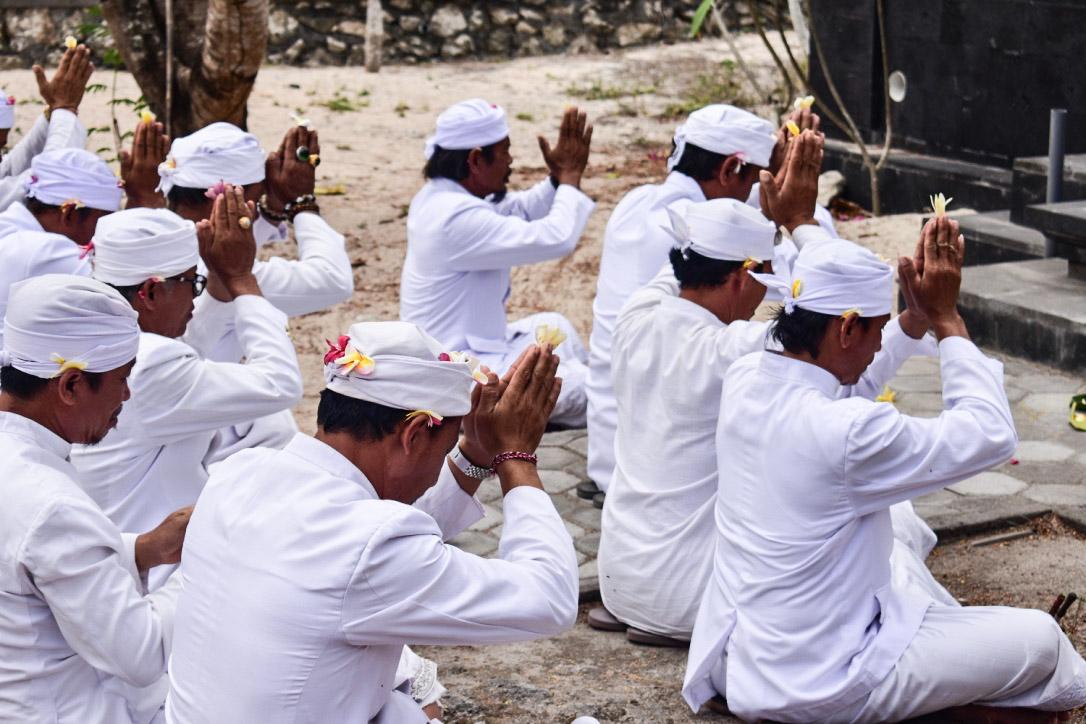 Prière balinaise, Lembongan