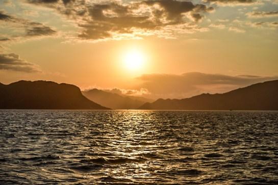 Coucher de soleil, croisière Komodo