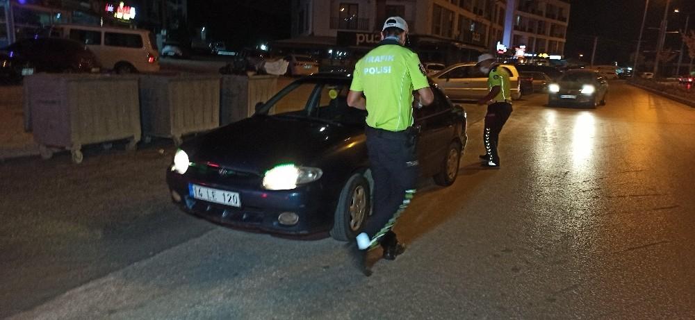 Düzce'de trafik kurallarını hiçe sayan sürücülere ceza yağdı