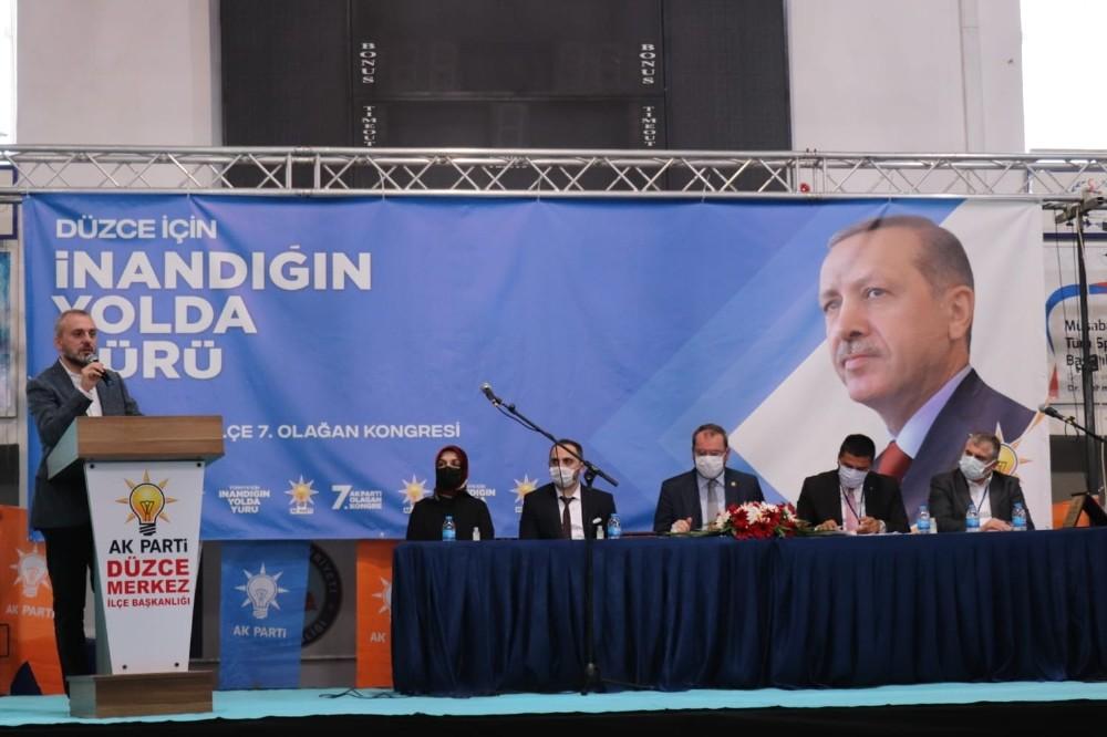 """AK Parti Genel Başkan Yardımcısı Kandemir: """"Türkiye'de uyku taklidi yapıp milletin duygularını görmeyen siyasetçiler var"""""""