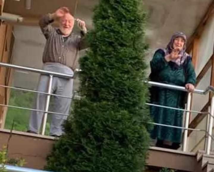 Karı-koca 20 gün arayla korona virüsten hayatını kaybetti