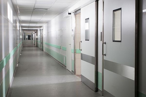 Особенности дверей для операционных
