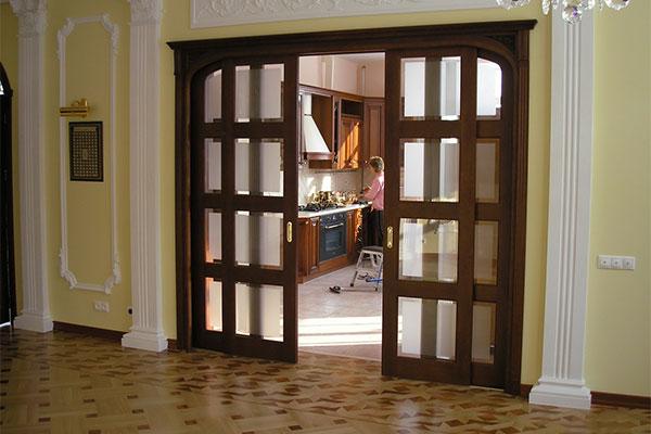 Двери с фрамугой